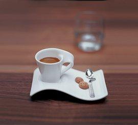 Villeroy & Boch NewWave Caffè Becher mit Henkel / Moderner Kaffeebecher aus Porzellan in Weiß / 1 x (0,35l)